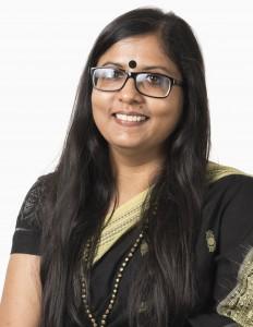 Head shot of Shilpa Das smiling